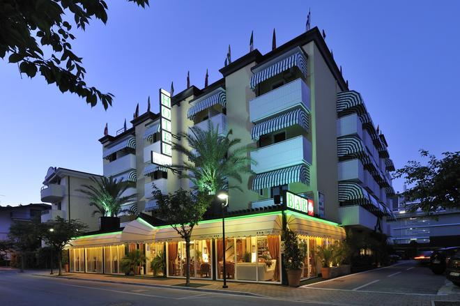 Hotel Al Prater - Lignano Sabbiadoro - Building
