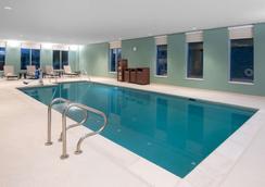 Hyatt Place Westminster Denver - Westminster - Bể bơi