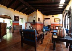 Hotel Casa Colonial - Манагуа - Вітальня