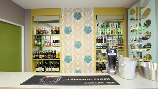 Citrus Hotel Cheltenham By Compass Hospitality - Cheltenham - Bar