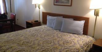 Crown Inn - Grand Prairie - Bedroom