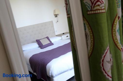 露易絲德薩瓦斯濤特爾酒店 - 布洛瓦 - 布魯瓦 - 臥室