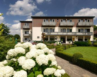 Hotel Bemelmans - Schin op Geul - Building