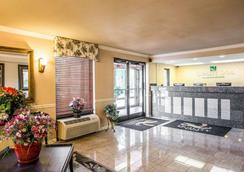 Quality Inn Fort Jackson - Κολούμπια - Σαλόνι ξενοδοχείου