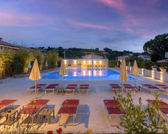 Hotel Giardino Suites&spa - Numana - Pool