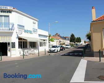 Hotel le Bon Soleil - Les Sables-d'Olonne - Gebouw