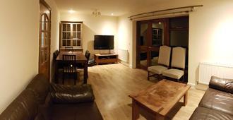 Dobcross - Manchester - Living room
