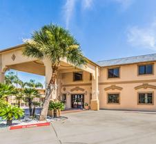 Econo Lodge Inn and Suites Corpus Christi