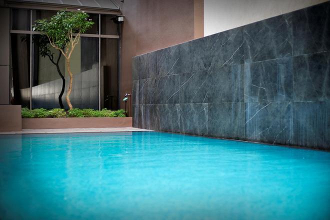 Hotel MI - Singapore - Uima-allas