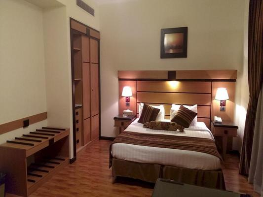 Avail Grand Hotel & Suites - Jeddah - Bedroom