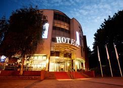 Hotel Kiel by Golden Tulip - Kiel - Building