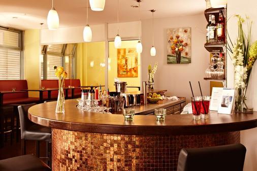 Hotel Kiel by Golden Tulip - Kiel - Bar