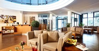 Hotel Kiel by Golden Tulip - קיל - לובי