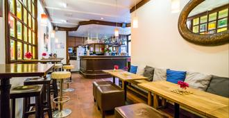 Smart Stay Hotel Station - Munique - Bar