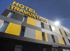 Hotel Tramuntana - La Jonquera - Building