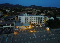 Hotel Sabbia d'Oro - San Vincenzo - Building