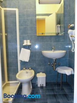 Hotel Centrale Byron - Ravenna - Bathroom