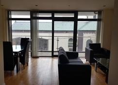 Wild Atlantic Way Apartments Salthill - Galway - Living room