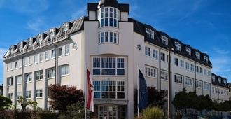 myNext - Summer Hostel Salzburg - Salzburg - Building