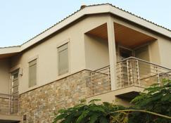 One On Marlin Spa Resort - Providenciales - Building