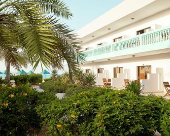 Bm Beach Resort - Ras Al Khaimah - Building