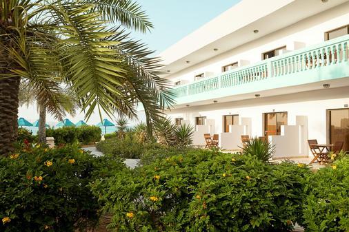 Smartline Bin Majid Beach Resort - Ras Al Khaimah - Edificio