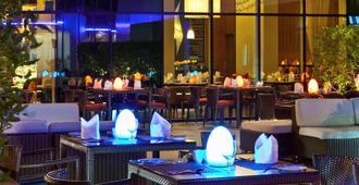 Novotel Suites Dubai Mall of the Emirates - דובאי - מסעדה