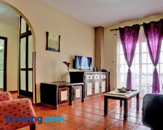 Marody House Vacacional - Granadilla - Living room