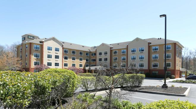 Extended Stay America - Princeton - South Brunswick - Monmouth Junction - Building
