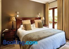 Wilderness Manor - Wilderness - Bedroom