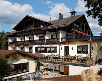 Hotel Sonnenhof Zwiesel - Zwiesel - Building