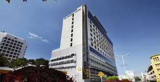 豪麗勝酒店 - 亞庇 - 建築