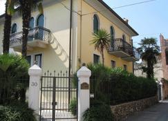Hotel Villa Cansignorio - Lazise - Building