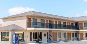Days Inn by Wyndham St. Robert Waynesville/Ft. Leonard Wood - Сен-Робер - Здание