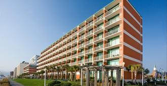 Holiday Inn & Suites Virginia Beach - North Beach - Virginia Beach - Edificio