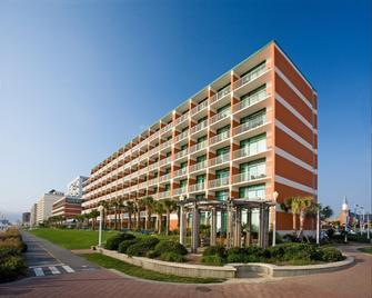 Holiday Inn & Suites Virginia Beach - North Beach - Virginia Beach - Building