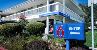 Motel 6 Reno Airport Sparks - Reno - Toà nhà