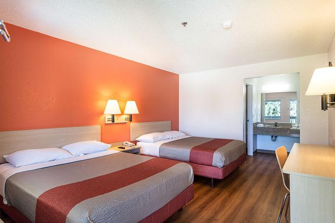 雷諾機場斯巴克斯 6 號汽車旅館 - 斯巴克斯 - 里諾 - 臥室