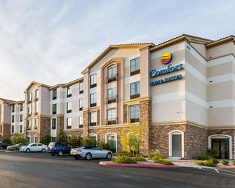 Comfort Inn & Suites Henderson - Las Vegas - Henderson - Gebouw