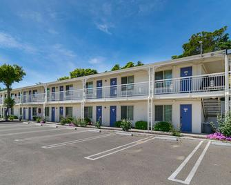 Motel 6 Santa Maria - South - Santa Maria - Building