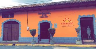 Hostal Santiago de Los Caballeros - León - Vista del exterior