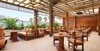 Ramada by Wyndham Manama City Centre - מאנאמה - מסעדה