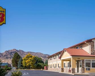 Super 8 by Wyndham Canon City - Cañon City - Building