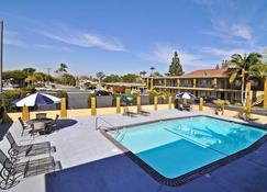 Best Western Orange Plaza - Orange - Pool