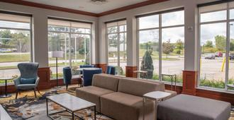 Hilton Garden Inn Erie - Erie - Living room