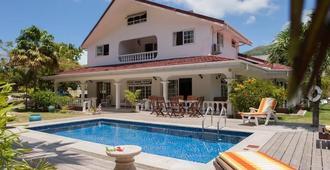 Villa Confort - Grand'Anse Praslin