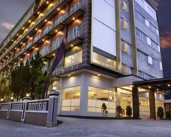 Hotel Asoka Luxury - Bandar Lampung - Edificio