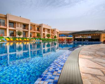 Marina Hotel Kuwait - Salmiya - Pool