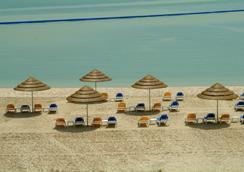 Marina Hotel - Salmiya - Beach