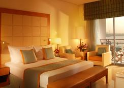 Marina Hotel - Salmiya - Bedroom